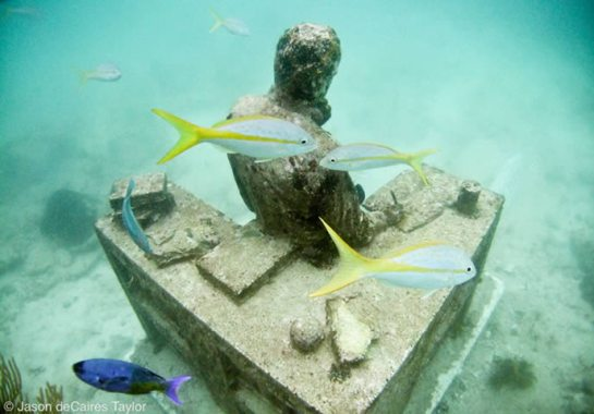 Jason deCaires Taylor - underwater sculpture - Dream Collector